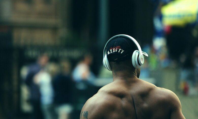 Schulter Übungen – Schultertraining für breite und massive Schultern