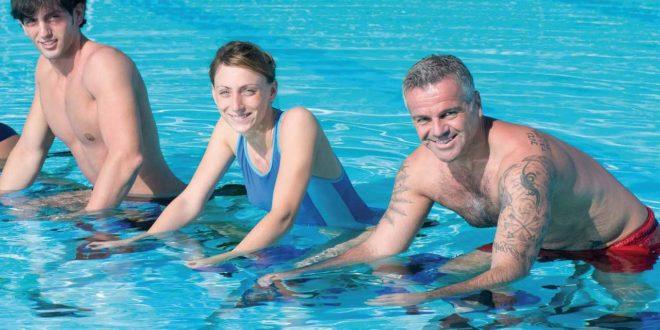 Aqua-Training: Workouts im Wasser gegen Übergewicht und für die Fitness