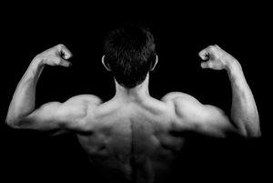Ein breiter Rücken: die perfekte V-Form