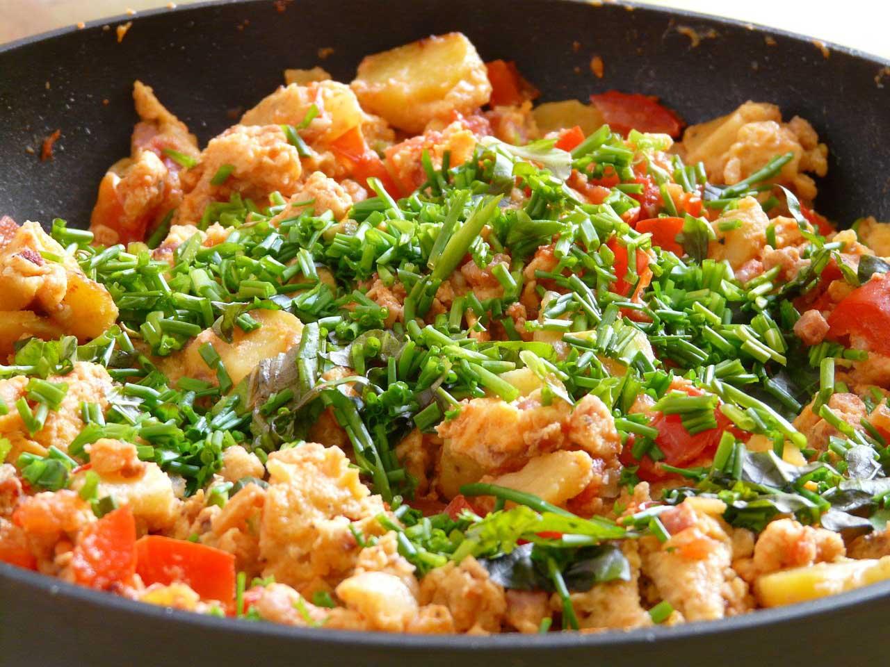 Putenpfanne mit Reis und Gemüse
